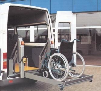 Rollstuhlspezialfahrzeug